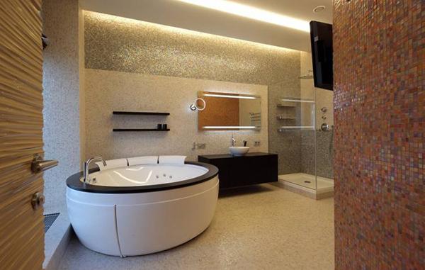 装修卫生间浴缸