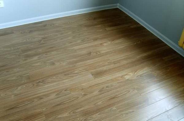 地板的颜色和花纹