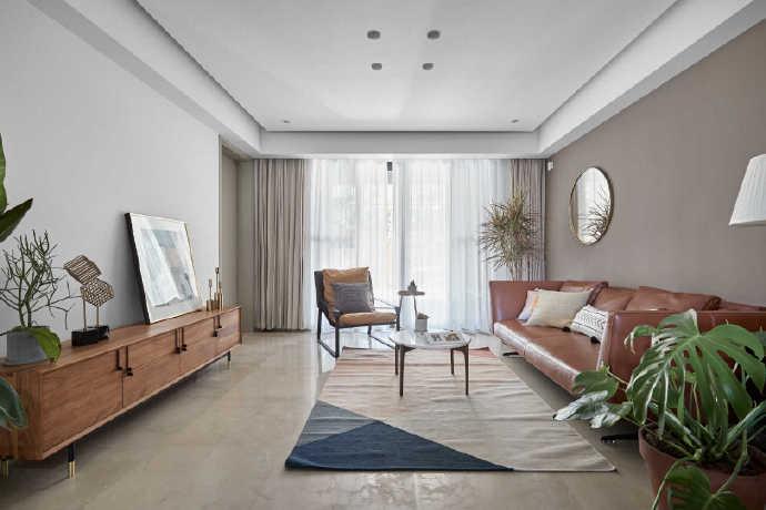 客户家户型面积并不大,在风格的定义上选择了极简风格!