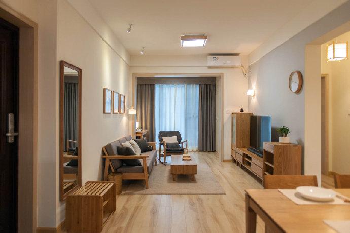 全家采用木地板的设计,舒适性更佳