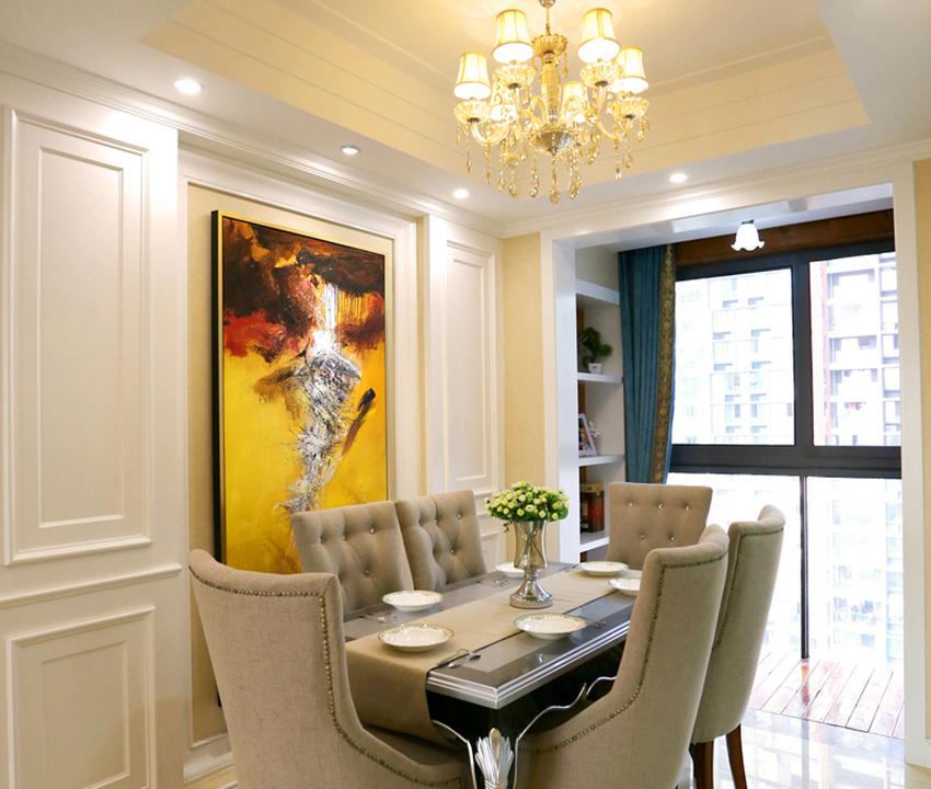 水晶燈搭配布藝家具,搭配上水彩壁畫,歐式濃郁文化氣息!