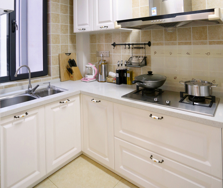 臥室在設計上應以功能性與收納性為主,櫥柜的設計以及洗切炒操作流程。