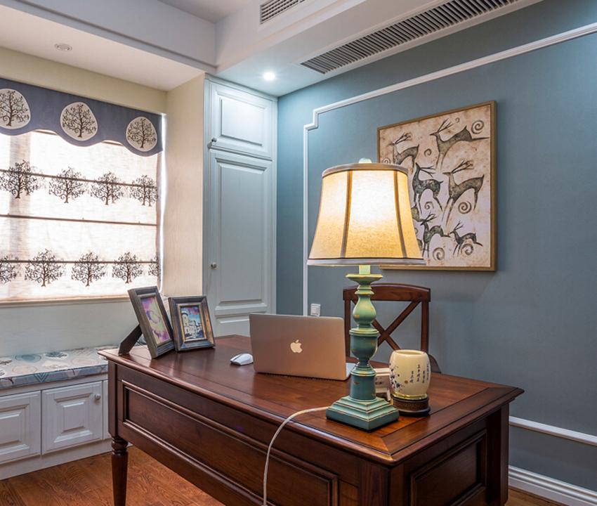 书房男主人独立思考的空间,在设计上风水以及静音、色彩的搭配上都需要考虑!