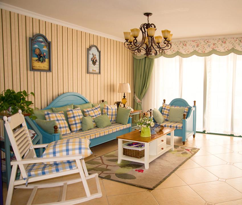 浪漫田园风格最大的特点就是浪漫与温馨,家中条纹与格子纹让整个家中充满了情调!