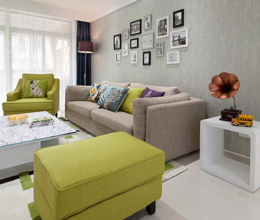 客廳最大的特點就是整潔、自然,沒有過多的裝飾,單純通過現代家具以及墻面裝飾來凸顯整個客廳的美觀!