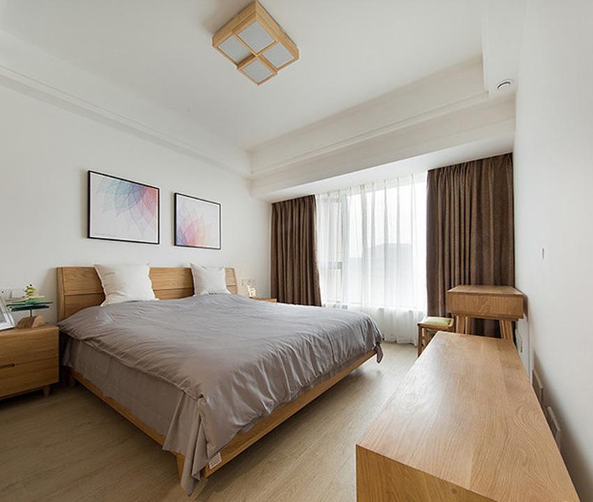 在木質風格中,臥室的風格一定是非常簡單的,但是整個空間木質顏色又顯得非常美觀!