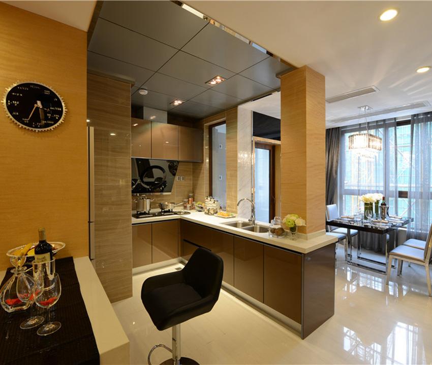 开放式的厨房搭配上临窗的餐厅,一种西式的素雅油然而生!