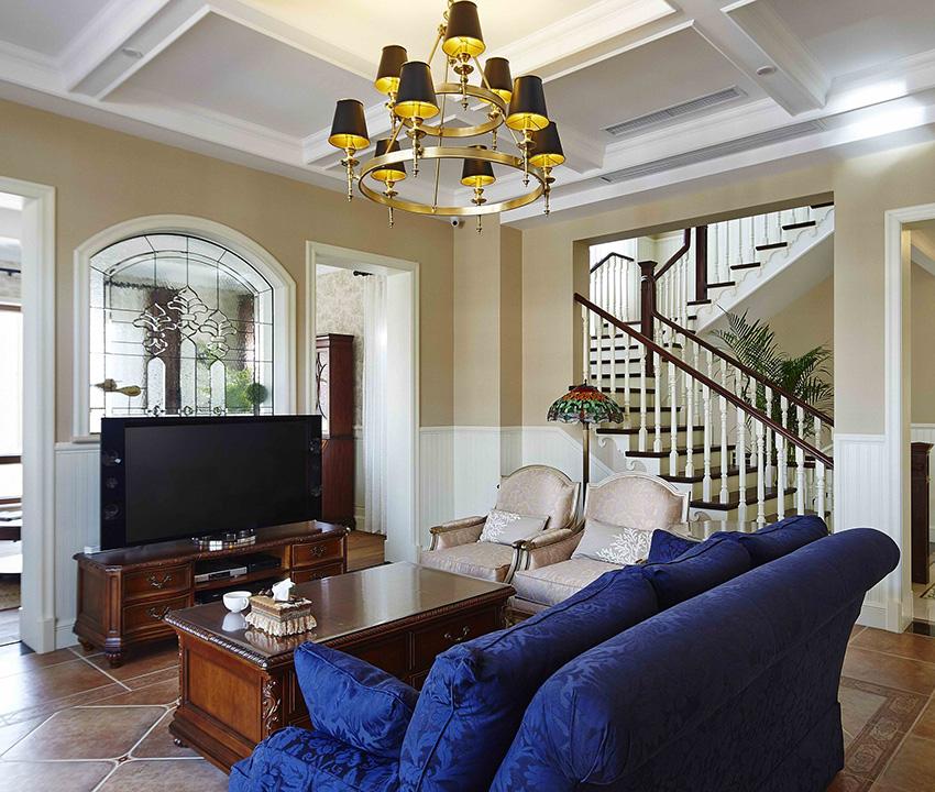 整個家中的家具都非常質樸,陳設自然,整個家中都非常的簡單、自然!